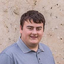 Auszubildender im IT-Bereich, Foto- und Videospezialist  Weiterlesen  Joshua Mohr wurde 1996 in Frankfurt geboren. Seit 2017 ist er bei Hartmann Nagel Art